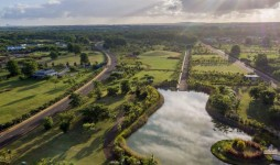 Land of 331Toises for Sale at Royal Park